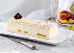 עוגות גבינה ופרי